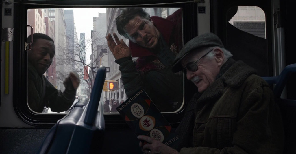 Stan Lee Cameo - Doctor Strange Easter Eggs